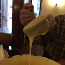 スイス・バーゼルで本場のチーズフォンデュを食べてみた!