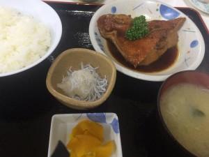 小田原の魚市場食堂は(当たり前だけど)魚が美味しい