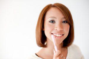 キレイになりたい! 高齢者(50歳以上)の非抜歯・歯列矯正は可能か? 58歳、矯正歯科に行く