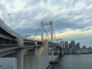 外国人と楽しむ東京一日観光 レインボーブリッジを歩き、大江戸温泉を楽しむ!