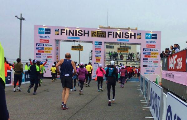 抗がん剤治療をしながら運動できるか?マラソンを走りきった記録(37) 号砲〜序盤〜中盤〜ゴールへ