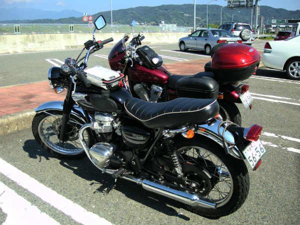 レンタルバイクでおでかけ カワサキW400で箱根まで