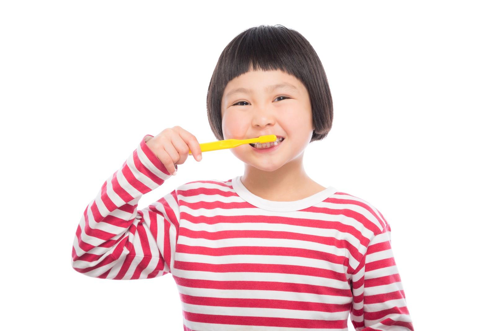 キレイになりたい!50代(大人・高齢)の歯列矯正治療は可能か?(現在進行形⑥)矯正2か月で歯並び改善のきざし!