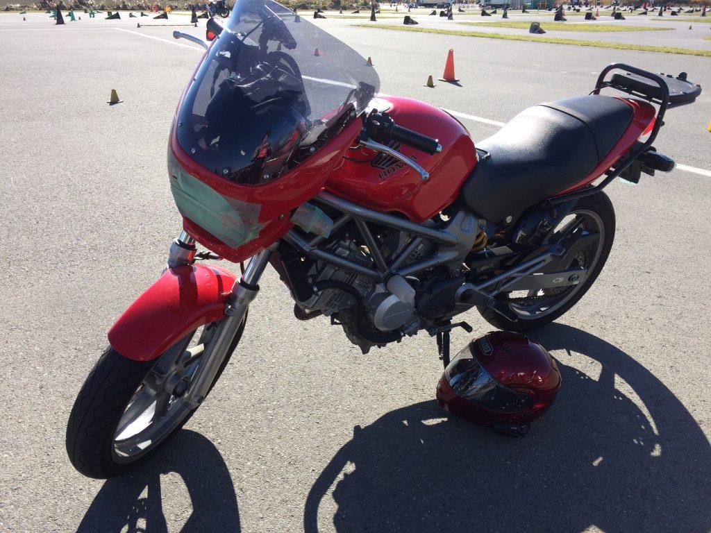 バイクレッスンは「女性のためのバイクスクール」チームマリで。埼玉交通教育センターでの久々レッスン!