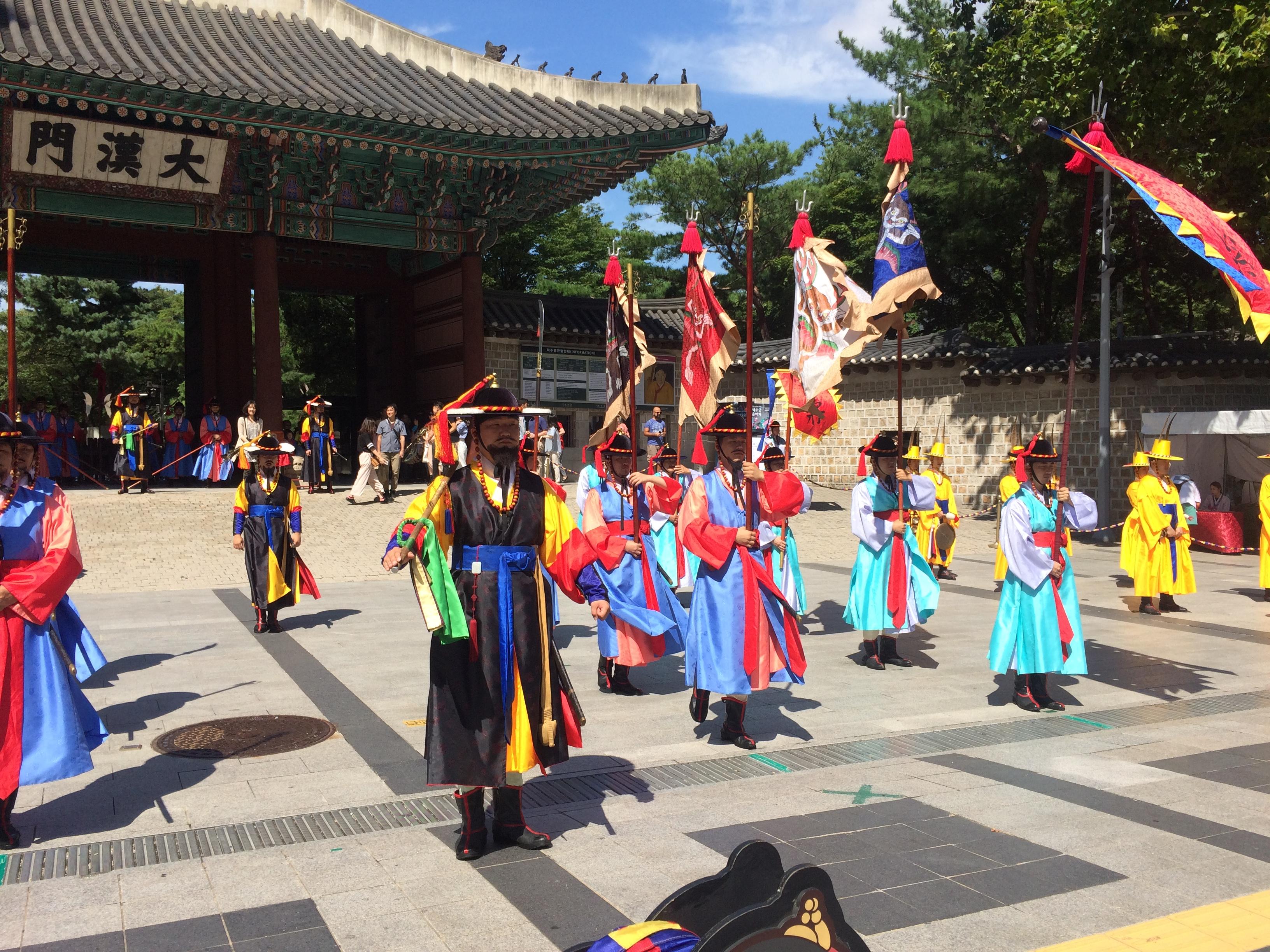 韓国旅行記(その2)#地下鉄#財閥#景福宮#参鶏湯